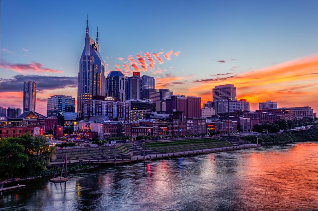 Downtown+Nashville+at+Dusk+from+Pedestrian+Brige